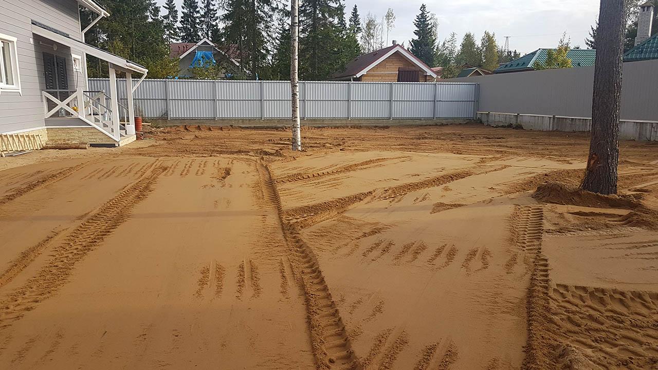 Отсыпка участка песком